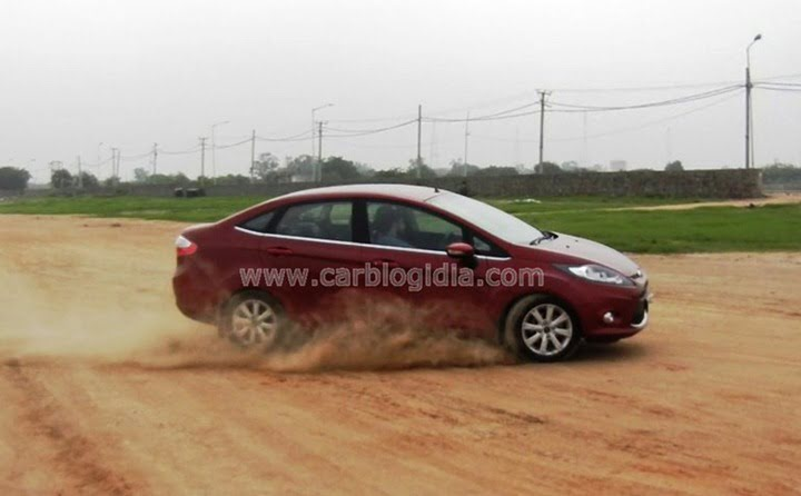 Ford Fiesta Automatic Road Test (6)