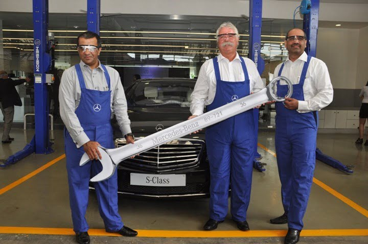 L-R Mr. Mohan Mariwala, MD Auto Hangar, Mr. Peter Honegg, MD&CEO Mercedes-Benz India and Mr. Devdutta Chandavarkar, Director After Sales, Mercedes-Benz India