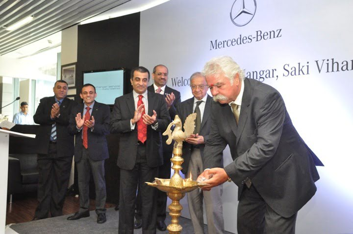 L-R Mr. Mohan Mariwala, MD Auto Hangar, Mr. Peter Honegg, MD&CEO Mercedes-Benz India and Mr. Devdutta Chandavarkar, Director After Sales, Mercedes-Benz India-2