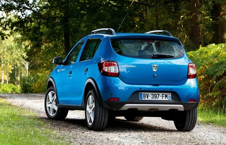 2013 Dacia Sandero Stepway Compact SUV rear