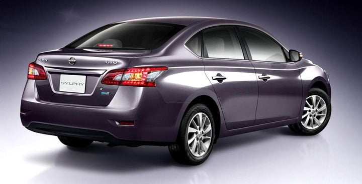 Nissan Sylply sedan rear