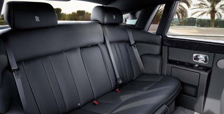Rolls-Royce-Phantom-Series-II-interior-2.jpg