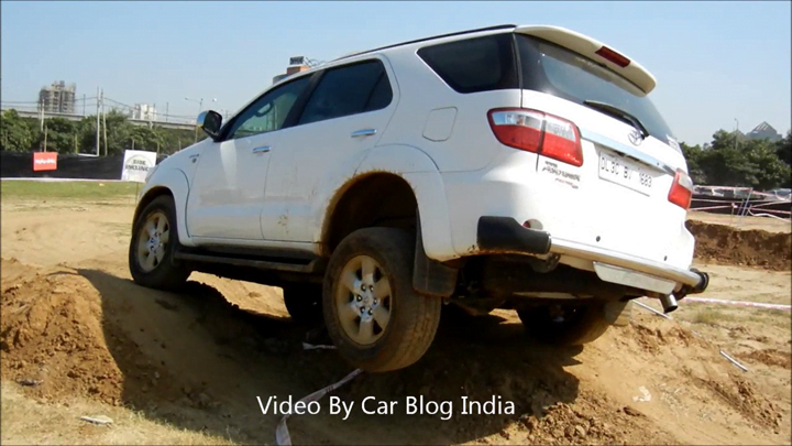 Toyota Fortuner Off Roading (8)