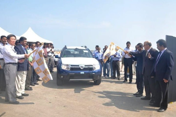 Renault Duster Export Started From India (1)
