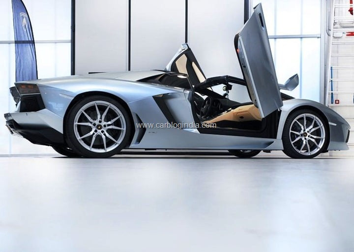 Lamborghini-Aventador (1)