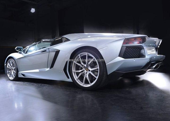 Lamborghini-Aventador (2)