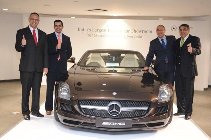 Mercedes Benz Opens India S Largest Luxury Car Showroom In Delhi