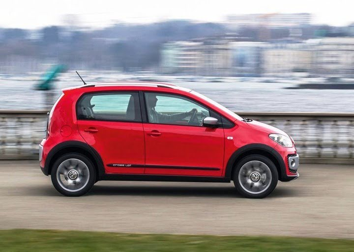 Volkswagen Cross Up (8)
