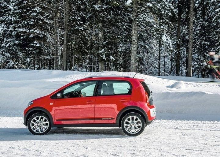 Volkswagen Cross Up (9)