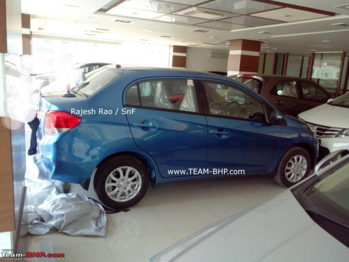 Honda-Amaze-at-indian-dealership