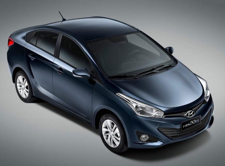 2013-Hyundai-HB20S-2