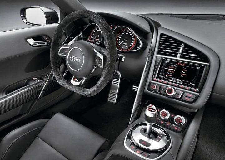 Audi R8 V10 Plus (9)