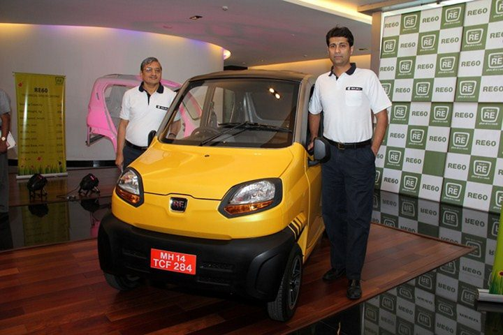 Mr. R C Maheswari, President and Mr. Rajiv Bajaj MD, with the revolutionary 4 wheeler