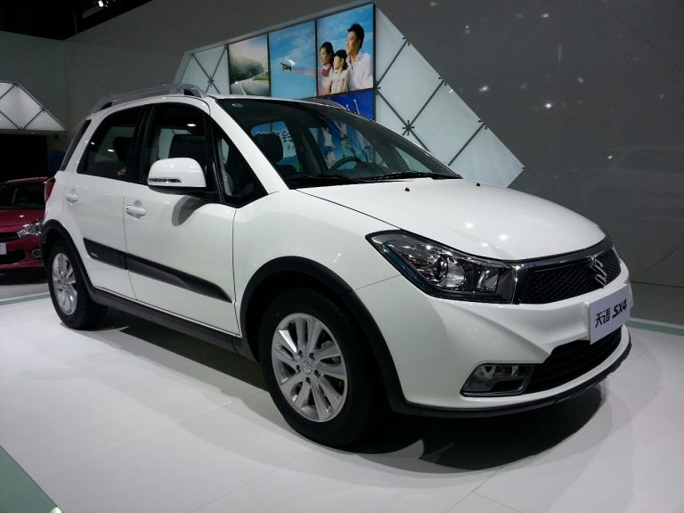 Suzuki SX4 Crossover Facelift Revealed- Expected To Co-Exist With 2014 SX4