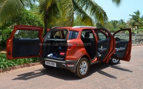 2013-Ford-EcoSport-India-Review-116.jpg