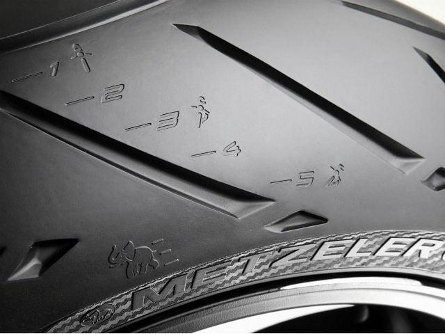 2013 KTM 390 Duke Metzeler Sportec  M5 Tyre