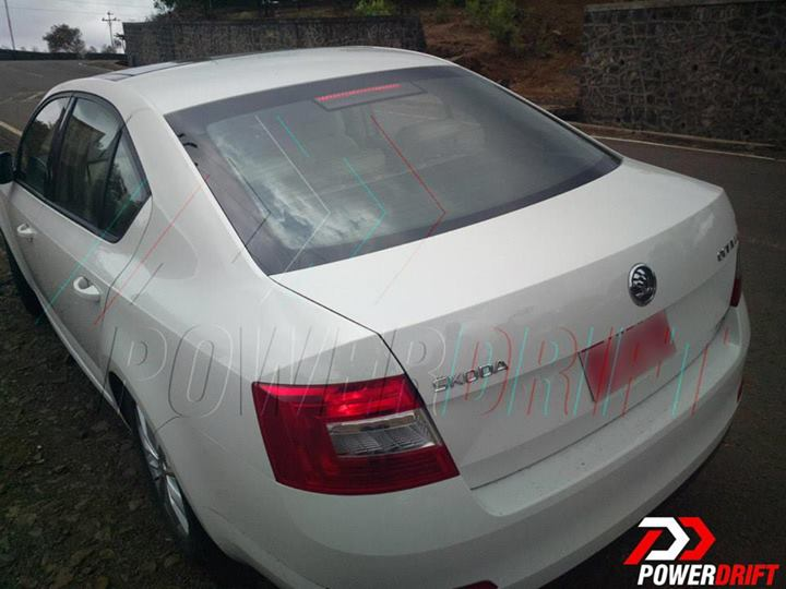2013-Skoda-Octavia-rear-spied-in-India
