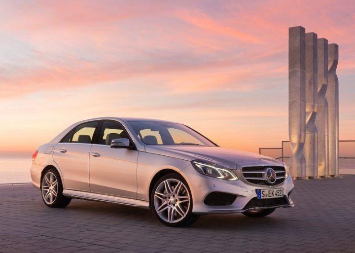Mercedes-Benz-E-Class_2014_800x600_wallpaper_01