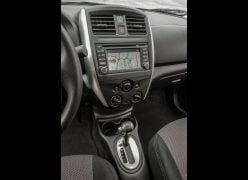 2015 Nissan Versa Interior Centre Console