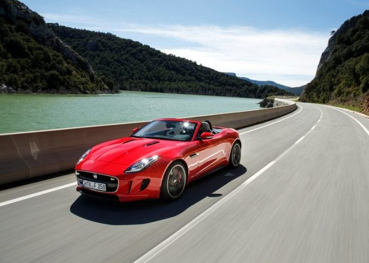 Jaguar-F-Type_V8_S_2014_800x600_wallpaper_1b