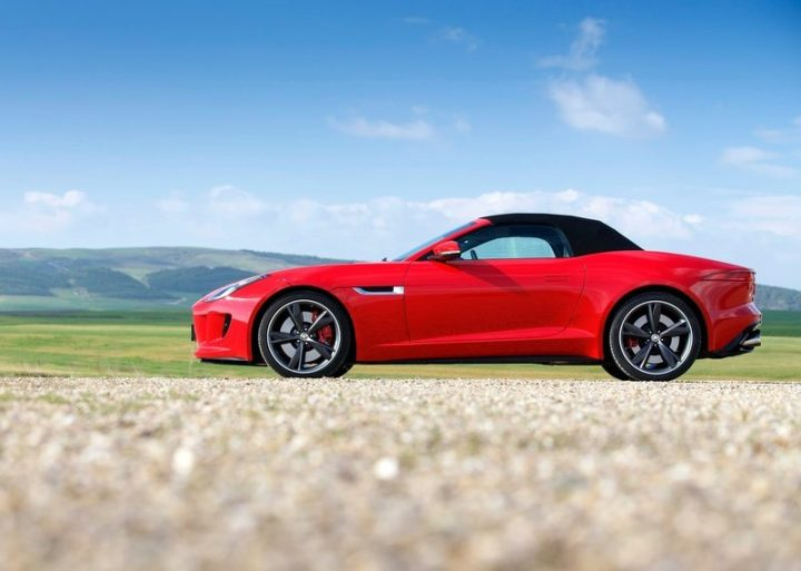 Jaguar-F-Type_V8_S_2014_800x600_wallpaper_36
