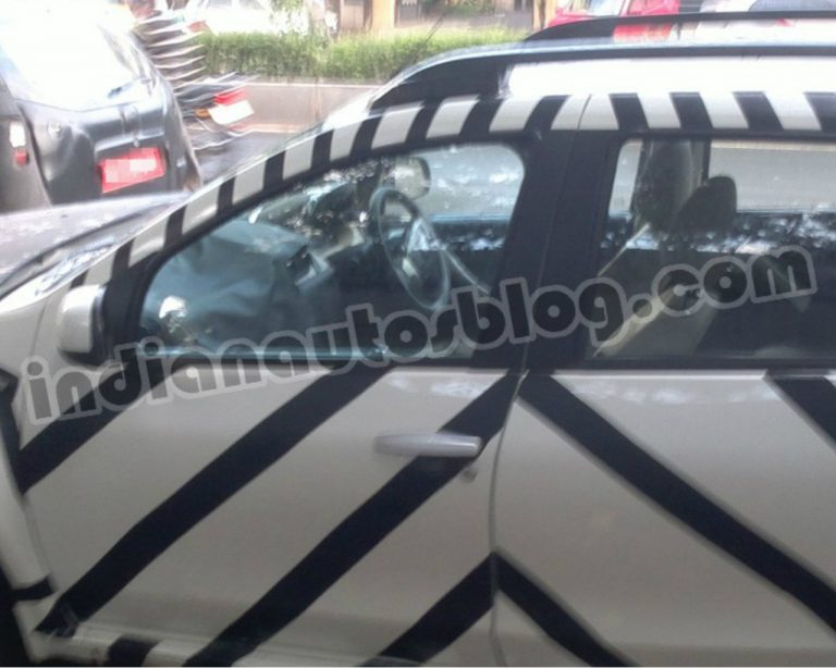 Nissan Terrano Spied, Interiors Partially Revelaed