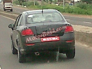 2014-Fiat-Linea-Facelift-spied-in-India-rear