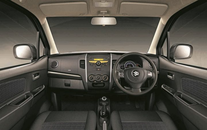 Dashboard-of-the-Maruti-Wagon-R-Stingray
