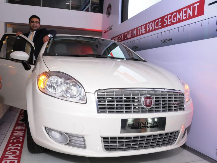 Mr. Nagesh Basavanhalli, President and Managing Director-FIAT Chrysler Operations India unveiling the new FIAT Linea Classic