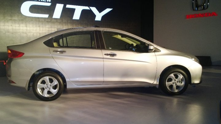 2014 Honda City Right Side Profile