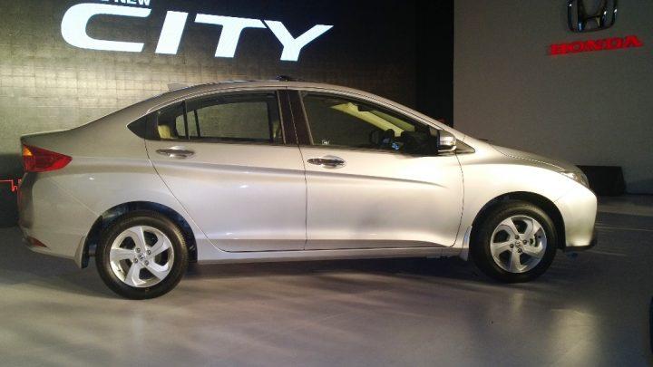 2014 Honda City Right Side Profile
