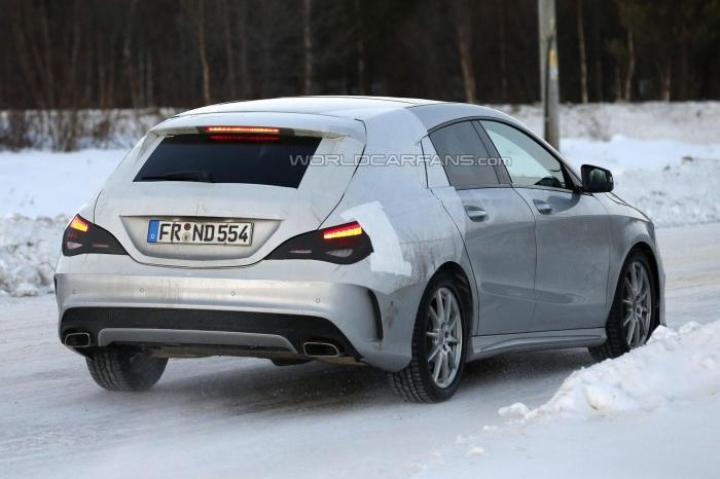 2015 Mercedes-Benz CLA-Class Spy Shot Rear Right Quarter