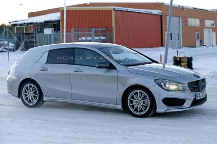 2015 Mercedes-Benz CLA-Class Spy Shot Right Side Profile