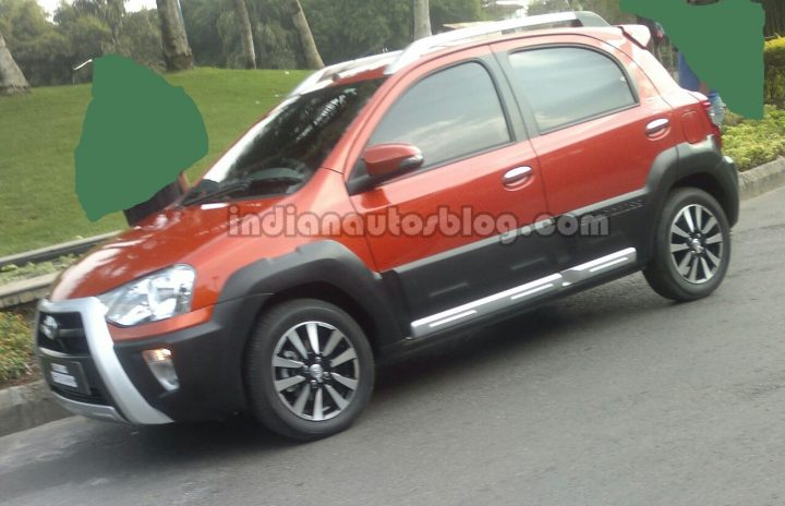 Toyota Etios Liva Cross India Spy Shot