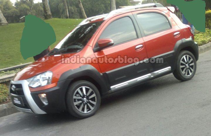 Toyota Etios Liva Cross India Spy Shot