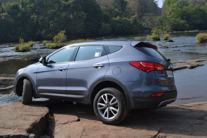 2014 Hyundai Santa Fe Review (4)