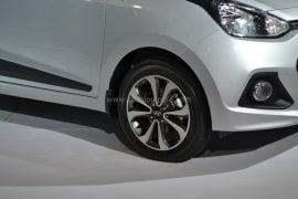 2014 Hyundai Xcent Front Right Wheel Zoomed In