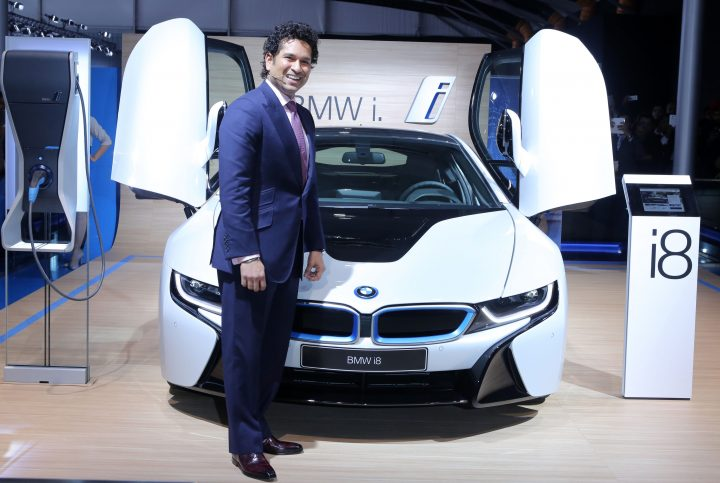 Sachin Tendulkar with the BMW i8 at the Auto Expo 2014