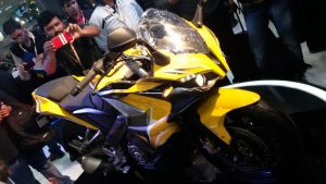 bajaj pulsar cs 400 bike