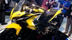 bajaj pulsar cs 400 sports bike