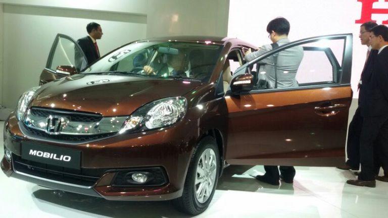 2014 Honda Jazz New Model And Honda Mobilio MPV At Auto Expo 2014