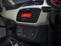 2014 Fiat Linea Interior Centre Console