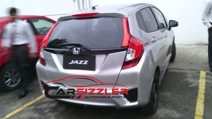 2014-Honda-Jazz-spied-in-India-rear