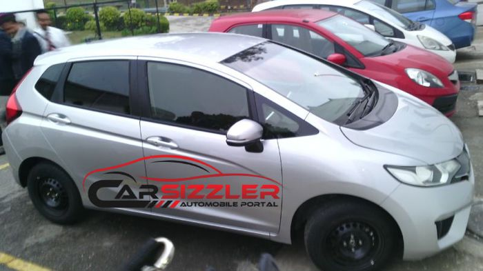 2014-Honda-Jazz-spied-in-India-side