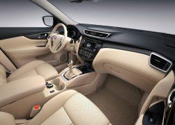 2014 Nissan X-Trail Interior Fron Cabin Passenger Seat View