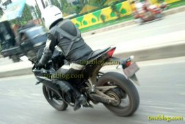 Yamaha YZF R25 Spy Shot Rear Left Quarter