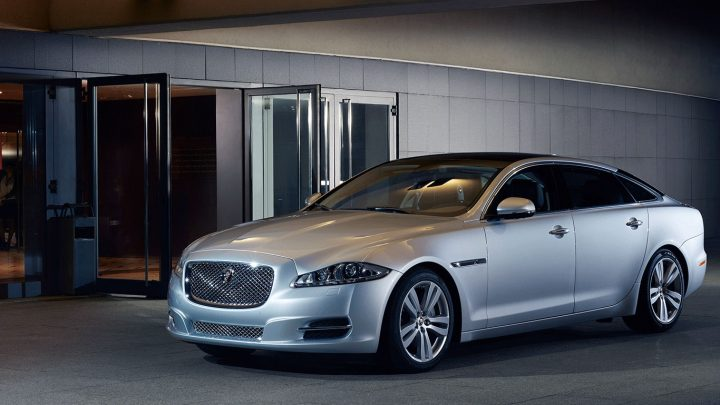 2014 Jaguar XJ Front Left Quarter