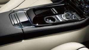 2014 Jaguar XJ Interior Lower Centre Console