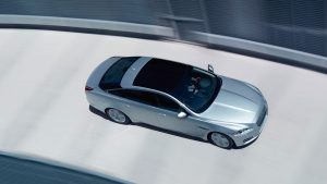 2014 Jaguar XJ Right Top Angle