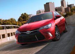 2015 Toyota Camry Front Left Quarter